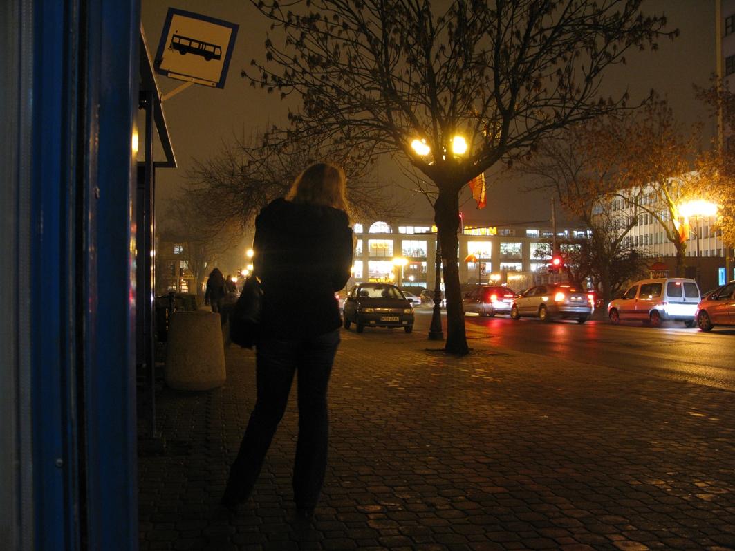 Przystanek autobusowy przy pl. W. Sikorskiego, 2009 r.